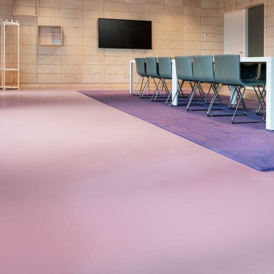 Vergaderruimte Urban Velvet kantoor roze