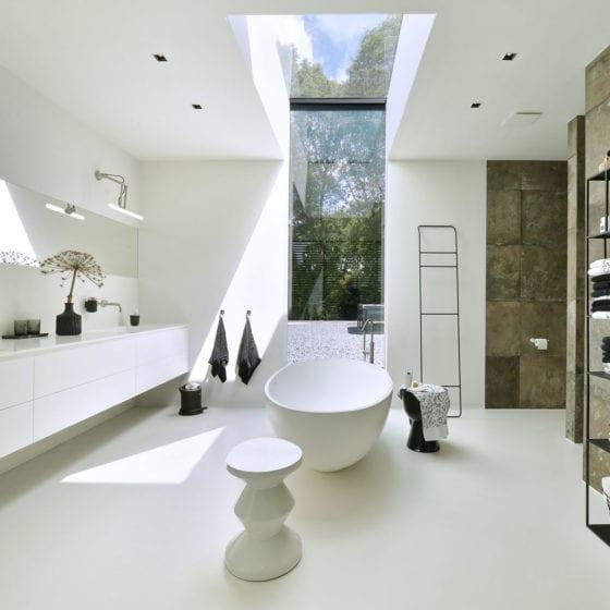 Badkamer Urban velvet UNI gietvloer wit